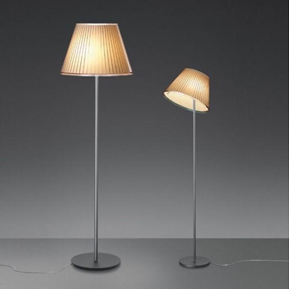 Choose Mega floor lamp Artemide