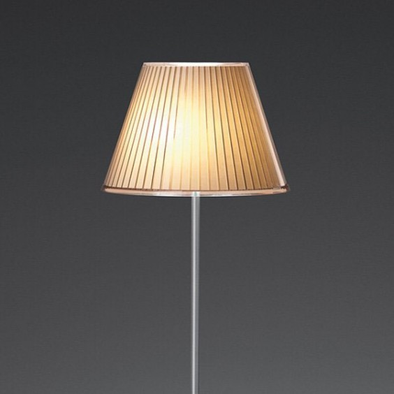 Choose floor lamp Artemide