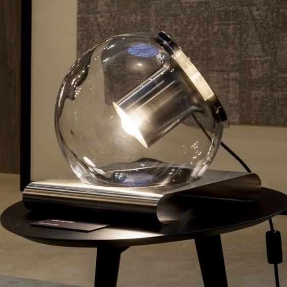 The Globe tavolo Oluce